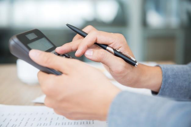 account hand business busy professional 1262 2251 - اصول اساسی حسابداری