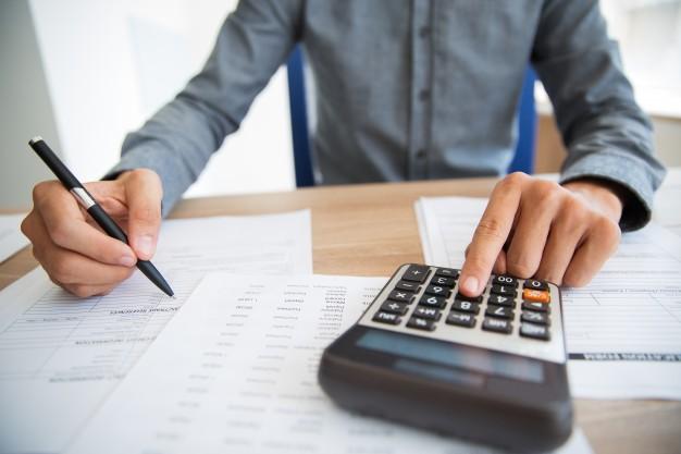 man income analyzing pushing button 1262 2290 - ماهیت حساب ها حسابداری